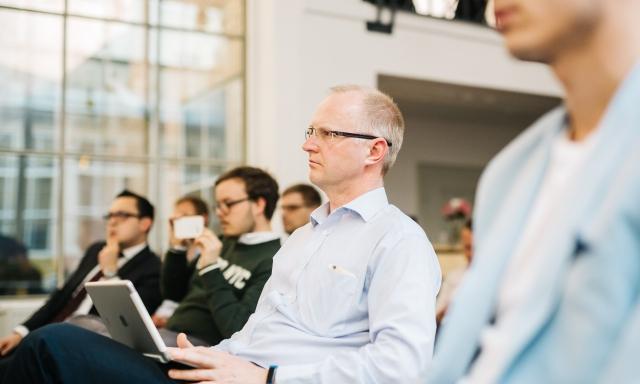 Premium Coworking Opero Prague discussion with Randy Williams