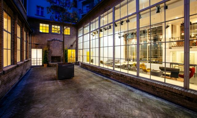 Opero, atrium, event, Praha