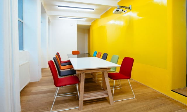 Opero coworking prague 1 meeting room