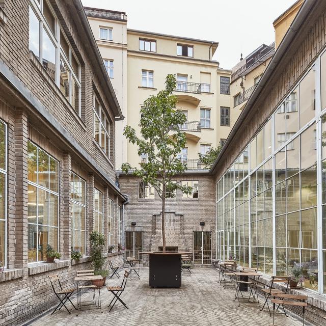 Opero - venkovní prostor k pronájmu