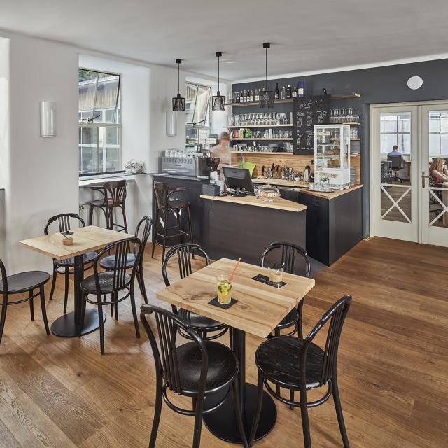 Opero business club - soukromá kavárna
