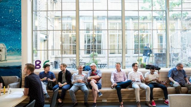 Minutový networking v coworkingovém centru Opero