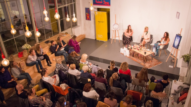 event, womens talk, opero