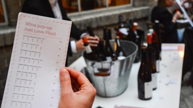 wine pop-up, Opero, Praha,