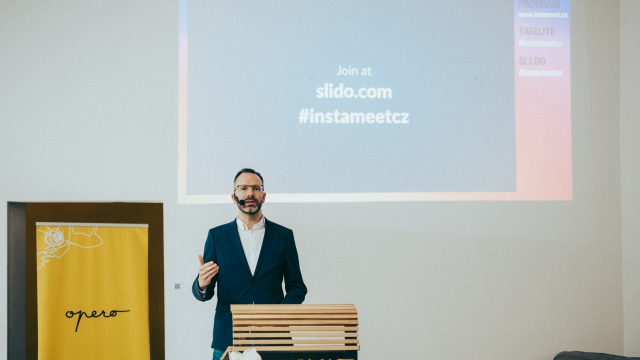 Instameet Opero coworking Prague Praha event social media